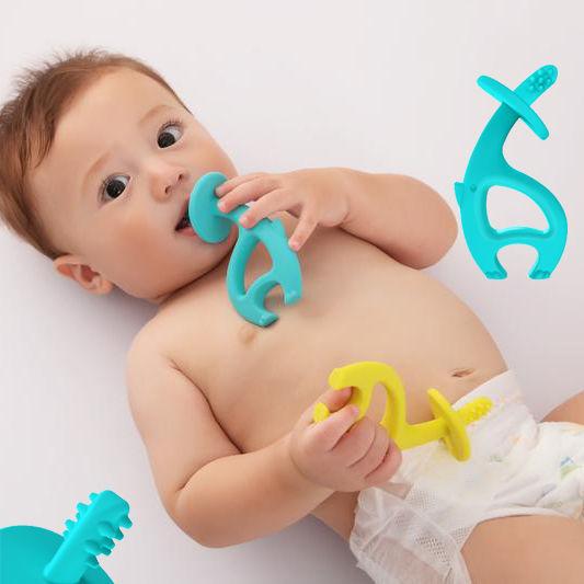 Có nên dùng miếng gặm nướu cho bé ? - ảnh 5