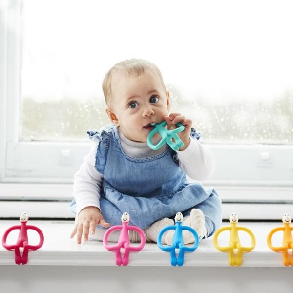 Có nên dùng miếng gặm nướu cho bé ? - ảnh 4